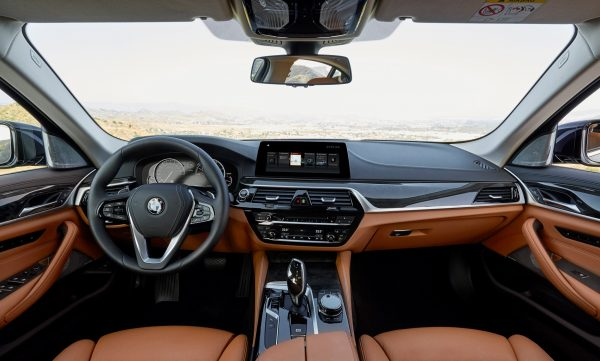 p90237328_highres_the-new-bmw-5-series