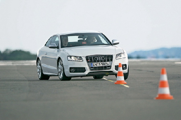 Audi S5 vs BMW 3.35i vs Mercedes CLK 500